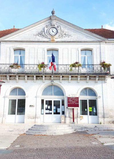 Mairie de Vars (16)