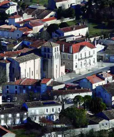Vue aérienne de Vars (Charente)